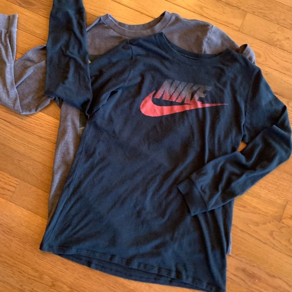 Nike and Old Navy long sleeve shirts - bundle of 2